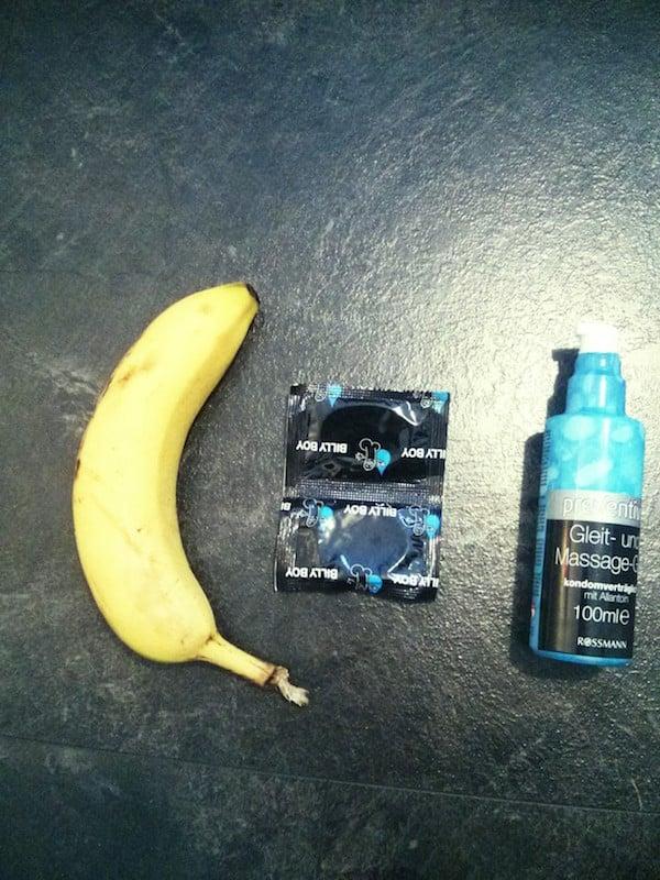 Banane als Dildo verwenden - Gleitgel Banane und Kondom